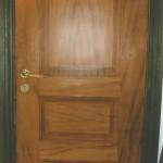 Ekådrad dörr